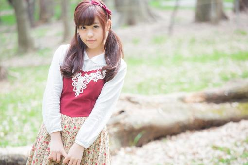 YUKA8451_745_TP_V.jpg